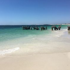 Another road trip we took was to Jurien Bay, Western Australia just a few hours north of Perth. Another stunning beach! 🏖 #australia…