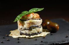 Tra Pignatte e Sgommarelli: Le mie ricette - Gamberoni in parmigiana di melanzane Seafood Dishes, Fish And Seafood, Finger Food Appetizers, Appetizer Recipes, Antipasto, Holiday Recipes, Entrees, Food To Make, Catering