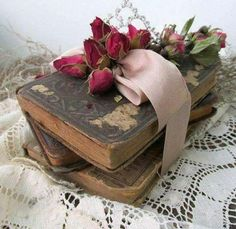 Antique book stack dried rose covered little books bundle shabby cottage chic bundle silk ribbon home decor shelf stuffer anita spero design , Cottage Chic, Shabby Cottage, Shabby Chic Homes, Shabby Chic Decor, Rose Cottage, Home Decor Shelves, Book Flowers, Dried Flowers, Stack Of Books