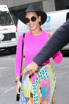 Beyonce Knowles Photos - A colorful Beyonce Knowles, wearing a hot pink top, multi-print maxi skirt with a wide-brimmed black hat, is all smiles while out in New York City. - Beyonce Knowles in Hot Pink