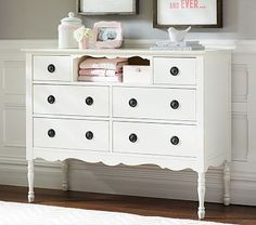 Ella Dresser #pbkids girl room