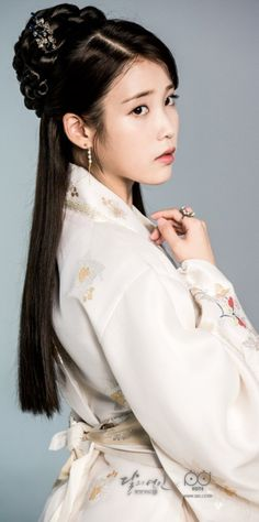 [Drama Moon Lovers ❤ Scarlet Heart Ryeo, 달의 연인-보보경심 려 Soompi Kdrama 2016 Winner Moon Lovers Drama, Iu Moon Lovers, Kpop Girl Groups, Kpop Girls, Baekhyun Moon Lovers, Iu Hair, Scarlet Heart Ryeo, Korean Traditional Dress, Traditional Styles
