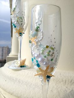Starfish wedding champagne glasses, beach wedding toasting flutes in white, water blue and green