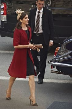 Crownprincess Mary of Denmark in a retroinspired formal dayoutft - I love this look!