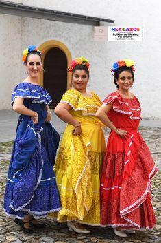 Coreografía e interpretación de Diana de la Marta, Karla y Mirna Diana, Sari, Fashion, Vestidos, Culture, Events, Saree, Moda, Fashion Styles