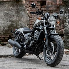 The Honda Rebel! Honda's only iconic cruiser! This bike is PERFECT for a beginner bike, Coming in a 300 or a 500 CC. Ottawa PowerSportsCanada ON Touring Motorcycles, Yamaha Motorcycles, Custom Motorcycles, Motorcycle Touring, Honda Bikes, Honda Rebel 250, Honda Cruiser, Cruiser Motorcycle, Cruiser Bikes