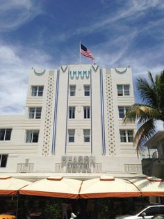 Beacon South Beach Hotel: ndulge in the height of Miami Beach luxury. Combining historic Art Deco aesthetics with chic, modern design, this hotel is positively dripping with glamour. #Hotel #SouthBeach