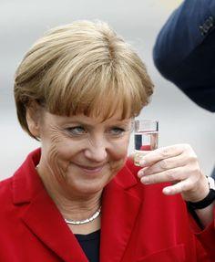 Psssssssssst … Hier sind 17 extrem anstößige Bilder von Angela Merkel