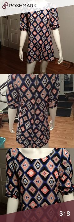 Forever 21 diamond blocked dress Beautiful dress, thin and light but no see through, 3/4 length sleeves, zip back to small for me. Forever 21 Dresses Mini