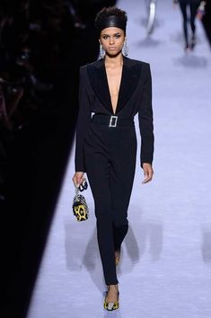 The complete Tom Ford Fall 2018 Ready-to-Wear fashion show now on Vogue Runway.