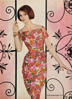 McCall's Pattern Book 1961 from My Vintage Vogue Vogue Vintage, Vintage Glamour, Vintage Beauty, Vintage Ladies, Vintage Tea, Vintage Style, Sixties Fashion, 60 Fashion, Retro Fashion