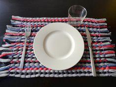 DIY tutorial paso a paso cómo hacer un tapete individual de tiras de tela