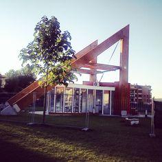 Struttura per pannelli fotovoltaici in un parco pubblico a Monterotondo (Roma)