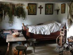 Skansen w Toruniu Primitive Kitchen Decor, Dreams Beds, Bohemian Bedroom Decor, Vintage Room, Vintage Interiors, Dream Decor, Historic Homes, Dream Bedroom, Living Spaces