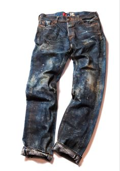 PRPS - New denim for fall. Woven in a natural indigo fabric from Nihon Menpu in Khojima Japan. And the look of a jean with extensive use in the field. All Jeans, Best Jeans, Jeans Pants, Estilo Jeans, Denim Ideas, Raw Denim, Denim Fashion, Curvy Fashion, Street Fashion