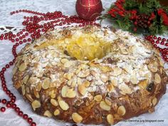 BOLO RAINHA Bagel, Bread, Algarve, Portugal, Holiday Recipes, Other Recipes, Candied Fruit, Food Cakes, Traditional