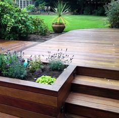 Building your own DIY deck shouldn't be a daunting idea. We'll show you exactly how to build a simple deck without spending a ton of money #buildyourowndeck #deckbuildingideas