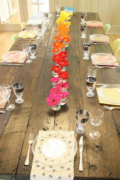 ombre table setting decorations - like the glass setting