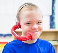 Ease reading, speech, comprehension and pronunciation challenges with the Toobaloo. Created by a teacher, the Toobaloo is an educational tool designed to provide auditory feedback which helps children learn to read, increase fluency and comprehension and meet special needs such as autism, APD, stuttering and dyslexia.