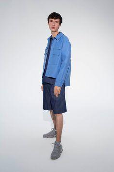 Sunnei, a Subversive New Italian Men's Wear Brand Mens Style Guide, Men Style Tips, Denim Button Up, Button Up Shirts, Italian Men, Oversized Coat, Grey Nikes, Latest Mens Fashion, Italian Fashion