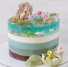 Julie Sarkharova is the most amazing baking artist I've ever seen - Backen - Pastel de Tortilla Crazy Cakes, Fancy Cakes, Cute Cakes, Pretty Cakes, Beautiful Cakes, Amazing Cakes, Bolo Cake, Mermaid Cakes, Piece Of Cakes