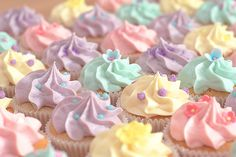 Pastel vanilla wedding cupcakes (by Little Miss Cupcakes)