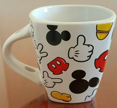 Mickey Mouse Body Parts Jerry Leigh Square Coffee Mug Cup - NO SPOON   eBay Disney Coffee Mugs, Disney Mugs, Disney Mickey Mouse, Most Popular Cartoons, Vintage Mickey, Fun Cup, I Love Coffee, Lilo And Stitch, Body Parts