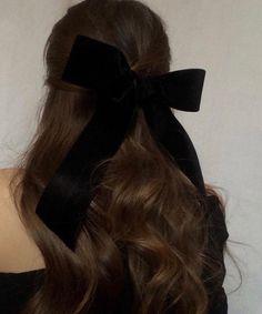 Paris, Prada, Pearls, Perfume - New Site Aesthetic Hair, Brunette Aesthetic, Dream Hair, Grunge Hair, Hair Dos, Pretty Hairstyles, 90's Mens Hairstyles, Her Hair, Hair Inspiration