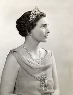 Princess Alice, Duchess of Gloucester (1901-2004)  was a lovely British aristocrat allowed to marry into the Royal Family. She married Prince Henry, Duke of Gloucester, a younger son of King George V and Queen Mary.  The Gloucesters had two living children, Princes Richard and William.