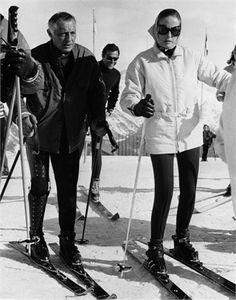 Giovanni and Marella Agnelli dor Vogue Italia, 1968 Ski Fashion, Retro Fashion, Ibiza Disco, Gianni Agnelli, Vintage Ski, Jackie Kennedy, Winter Fun, Italian Style, Vintage Photos