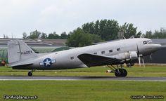 """Douglas C-47B Dakota (DC-3A) - F-AZOX of """"Un Dakota sur la Normandie"""". Valenciennes - Denain - LFAV, 14.07.2011."""