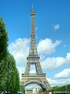 Turnul Eiffel este cel mai frumos, merita sa vizionalizesti