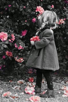 ♥ adorable cuteness / touch of pink / splash of color #photography #childen