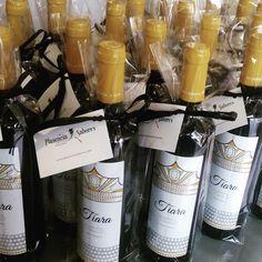 Mañana de trabajo preparado regalos de empresa... @vinotiara #gourmet #vino #vinotinto #tempranillo #lossantosdemaimona
