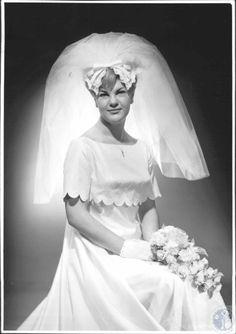 Mrs. Donald J. Anneken (former Linda Carol Kampsen), wedding photo. 1966