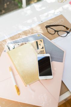 2016 Sugar Paper Planner & Office Collection | Blush Document Folio + Gold Monthly/Weekly Planner + Kraft Desk Calendar | office style + accessories | [ http://www.bluesky.com/designer-series/sugar-paper.html ]
