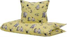 Junior Sengetøj - Mumitroldene gul - 100x140 cm - 100% Økologisk bomuld Home Tex, Moomin, Electric Blue, Floor Chair, Accent Chairs, Flooring, Furniture, Design, Home Decor