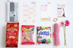 100均アイテムを使ってキャンディーブーケを簡単に作る方法 : 窪田千紘フォトスタイリングWebマガジン「Klastyling」暮らす+スタイリング Diy And Crafts, Crafts For Kids, Arts And Crafts, Candy Bouquet, Gift Packaging, Wraps, Presents, Birthday, Party