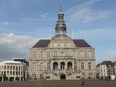 Stadhuis Maastricht op de markt (Mestreech), Limburg, Netherlands