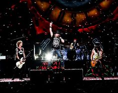 """Información Oficial de Eventos y Conciertos en Costa Rica. """"Twice in this Lifetime"""" ya que vuelve Guns N' Roses a Costa Rica en el 2020. Si siente que es solo un sueño… no es así. Pero si siente como si estuviera tocando las puertas del cielo… pues podemos confirmarle que está en lo correcto. ¡Puede empezar a gritar! Guns N' Roses Costa Rica 2020 […] Esta Nota Guns N' Roses Costa Rica 2020 publicada primero en Adondeirhoy.com. Duff Mckagan, Guns N Roses, Hard Rock, Costa Rica, Axl Rose 2016, Velvet Revolver, Slash, Show, Youtube"""