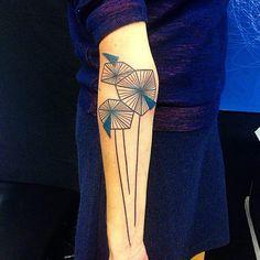 Les tatoueurs d'avant-garde : Le tatouage dit de style graphique - Site de photostatouages : Modèles et photos de tatouages !