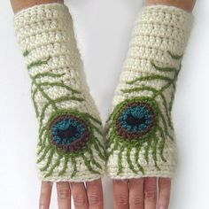Hey, I found this really awesome Etsy listing at https://www.etsy.com/listing/232632185/fingerless-gloves-boho-peacock-feather