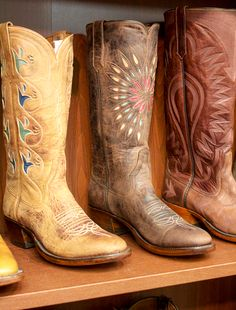 Rios of Mercedes vintage style cowboy boots, digging the ones on the right. Fan of detail stitching.