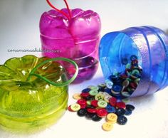 cajas recicladas hechas con envases de plástico