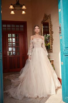 Galia Lahav Fall 2018 Florence by Night Couture Bridal Collection Out Magnolia by, a corseted ballerina in soft silk tulle, a draped corset and a sheer voluminous skirt. Fall Wedding Dresses, Bridal Dresses, Wedding Gowns, Prom Dresses, Wedding Outfits, Pretty Dresses, Beautiful Dresses, Magnolia, Mod Wedding