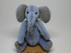 "Miniature elephant ""Sebastian"" by CherylHubbardMinis on Etsy Cheryl, Dinosaur Stuffed Animal, Elephant, Miniatures, Unique Jewelry, Handmade Gifts, Etsy, Kid Craft Gifts, Craft Gifts"