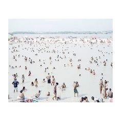 La plage  #massimovitali #plage #beach #crowd #photographer #photo #photography by Zurvita Zeal Wellness