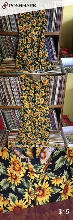 DEAL Vintage sunflower tunic dress Beautiful lil vintage sunflower lace-up tunic dress! So adorable, I love this vintage brand. Size 5/6, best fits XS-S!!! zip back, tank dress, perfect for a concert or evening basking in the sunset 🌻 Vintage Dresses