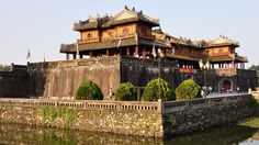 Vietnam Tours: Tour in Hoi An - Hue - Da Nang 3 Days 2 Nights. Create your own trip and holiday package in Vietnam for reasonable prices. Hue Vietnam, North Vietnam, Vietnam Tourism, Vietnam Travel, Hoi An, Travel Tours, Asia Travel, Laos, Palacio Imperial