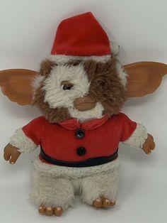 "RARE NECA PLUSH GIZMO GREMLINS CHRISTMAS SANTA STUFFED DOLL 7"" VINTAGE TOY #NECA Plush Dolls, Doll Toys, Gremlins Gizmo, Alien Character, Stuffed Animal Cat, Softies, Pet Toys, Vintage Toys, Santa"